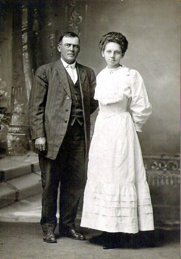 Charles and Lucy (McKee) Mahnke